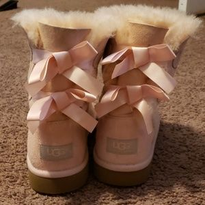 Baby Pink Bow Uggs
